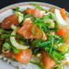 Maak je eigen Hawaiiaanse Poke bowl met zalm en zeewiersalade