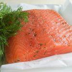 Feestelijk Zweeds recept voor in dille gemarineerde zalm – gravad lax