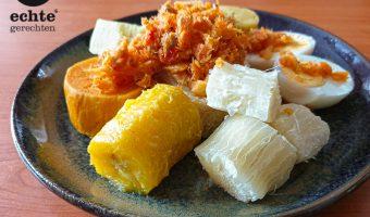 Surinaamse-recept-heri-heri-bakkeljauw-cassave-ei
